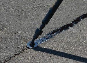 asphalt-crackfilling